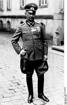 General Friedrich Olbricht war von 1940 bis 1944 Chef des Allgemeinen Heeresamtes im Oberkommando des Heeeres (OKH