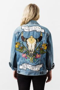 Denim and Bone 'Wild and Free' embroidered denim jacket - Jeans Jacket - Ideas of Jeans Jacket - Denim and Bone 'Wild and Free' embroidered denim jacket Painted Denim Jacket, Painted Jeans, Painted Clothes, Custom Clothes, Diy Clothes, Mode Country, Demin Jacket, Denim Jacket With Patches, Denim Shorts