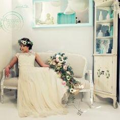 Bukiet i wianek ślubny One Shoulder Wedding Dress, Wedding Dresses, Blog, Fashion, Bride Dresses, Moda, Bridal Gowns, Wedding Dressses, La Mode