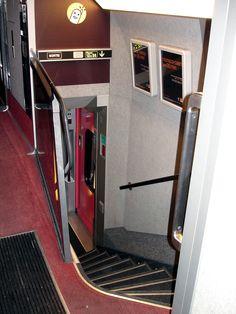 Escalier du TGV Duplex 1ere classe