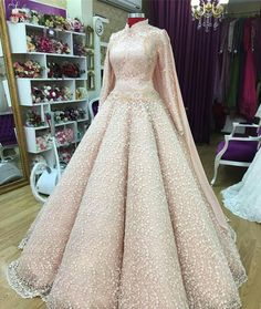 24 ideas for dress prom hijab wedding gowns Muslim Wedding Gown, Muslimah Wedding Dress, Muslim Wedding Dresses, Bridal Dresses, Prom Dresses, Dress Prom, Wedding Gowns, Trendy Dresses, Nice Dresses