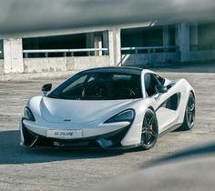 #21 McLaren 570S