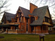 A Frank Lloyd Wright home in Oak Park...always loved the grandeur of his designs, with very natural elements used in all the structures