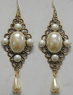Anne Boleyn Earrings  The Tudors Pearl