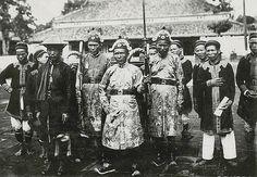 Hué - Groupe de gardes du Palais impérial 1919-26