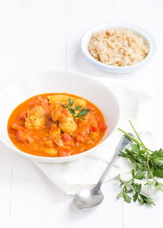 Today I share another recipe for Indian Curry with you. In Australia I ate a delicious one Chicken Tikka Masala at a nice India. Tika Massala, Easy Chicken Tikka Masala, International Recipes, Love Food, Chicken Recipes, Healthy Recipes, Healthy Food, Stuffed Peppers, Ethnic Recipes