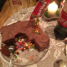 Fun to make! Birthday Candles, Pudding, Candy, Baking, Desserts, How To Make, Food, Tailgate Desserts, Deserts