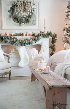 white-pink-christmas-livingroom-vintage