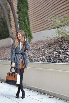 15 Wonderful Fall Outfits With Skirts You Will Fall In Love With Skirt Outfits, Fall Outfits, Winter Looks, Fall Winter, Brown Leather Skirt, Falling In Love, Fall Season, Stylish, Skirts