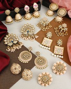 Indian Jewelry Earrings, Indian Jewelry Sets, Fancy Jewellery, Jewelry Design Earrings, Gold Earrings Designs, Indian Jewellery Design, Ear Jewelry, Stylish Jewelry, Indian Accessories