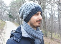 A slouchy beanie with a ribbing texture..the perfect accessory for our boys !!!