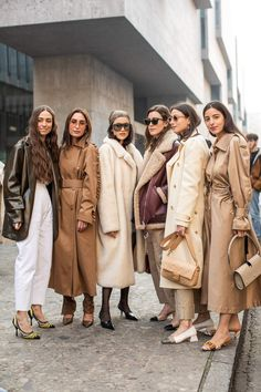 It's this season's (surprisingly) standout shade. Everybody's Wearing This Surprising Standout Shade Fashion 2020, Look Fashion, Fashion Outfits, Womens Fashion, Milan Fashion Weeks, Burberry Trenchcoat, Gala Gonzalez, New Mode, Beige Outfit