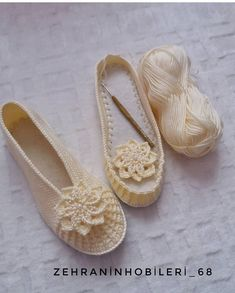 No photo description available. Tory Burch Flats, Leather Flats, Holidays And Events, Espadrilles, Geek Stuff, Slippers, Valentines, Womens Fashion, Crafts