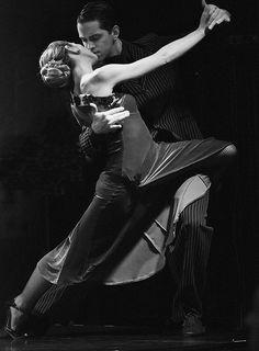 Buenos Aires Tango DSC_5252 | Flickr - Photo Sharing! Shall We Dance, Lets Dance, Burlesque, Tango Art, Tango Dancers, Argentine Tango, Ballroom Dancing, Swing Dancing, Salsa Dancing