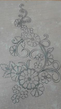 This Pin was discovered by Emb Floral Embroidery Patterns, Embroidery Motifs, Hand Embroidery Designs, Beading Patterns, Cross Stitch Embroidery, Machine Embroidery, Tambour Embroidery, Ribbon Embroidery, Brazilian Embroidery