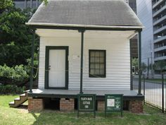 4th Ward Cottage was moved from its location at 809 Robin Street in Houston's Fourth Ward. It is at least as old as 1866, when records indicate that is was occupied by Charles Englehard and his family, who purchased the land on which the house sat in 1858. #Houston #history #heritage