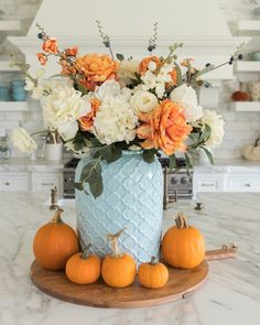 With Fall approaching I decided to create a blue and orange fall tablescapes this year. This would make an excellent Thankgiving tablescapes. Teal and orange are some of my favorite colors to combine together. This beautiful fall decor with a combanation of blue and orange is one of my favoite tablescapes so far. For more simple Fall tablescapes visit Home with Holly J. Thanksgiving Decorations, Seasonal Decor, Table Decorations, Holiday Decor, Thanksgiving Flowers, Fall Home Decor, Autumn Home, Happy Autumn, Fall Table