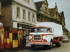 Old Trucks, Car Ins, Recreational Vehicles, Cool Cars, Porsche, Retro, Design, Coaches, Agriculture