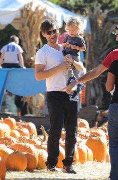 Celebs pick pumpkins at Mr. Bones Pumpkin Patch