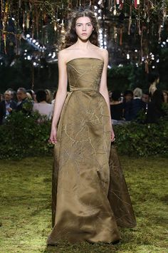 Arachnéide » Bronze silk satin bustier dress with spidery motif embroidery. Spider web veiling fascinator.