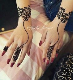 Best Mehndi Designs for Fingers – Henna Finger Ideas Finger Tattoo Designs, Henna Tattoo Designs, Henna Finger Tattoo, Hand Tattoos, Tattoo Henna, Finger Tattoos, Henna Art, Mehandi Designs, Modern Mehndi Designs