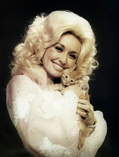 impossible not to be happy when you see Dolly Parton's smile