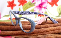 Vogue Eyewear stands out for its unique details, variety of frames and colors turning everyday glasses into a hot fashion accessory! Everyday Glasses, Vogue, World Of Color, Liu Shishi, Eyewear, Fashion Accessories, Product Launch, Texture, Cherry Blossoms