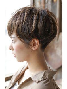 Chic Short Hair, Short Grey Hair, Short Hair Cuts, Short Hair Styles, Classy Hairstyles, Short Hairstyles For Women, Hairstyles Haircuts, Japanese Short Hair, 90s Grunge Hair