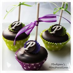 Items similar to Monogrammed Chocolate Dipped Gourmet Marshmallow Pops on Etsy Sweet Wedding Favors, Marshmallow Cake, Cute Cupcakes, Chocolate Dipped, Marshmallows, Creative Food, Food Presentation, Cake Pops, Caramel