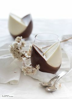Panna Cotta made from Nutella and vanilla. Special recipe for Valentine's Day Panna Cotta made from Nutella and vanilla. Special recipe for Valentine's Day Mini Desserts, Delicious Desserts, Dessert Recipes, Yummy Food, Kolaci I Torte, Eat Dessert First, Special Recipes, Food Design, Love Food