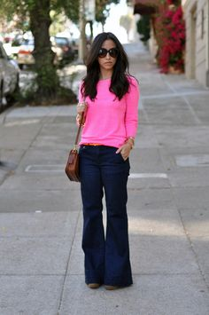 Flared jeans!!! And great color combination.