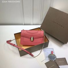 Whatsapp for fast respon! Leather Shoulder Bag, Shoulder Bags, Bvlgari Bags, Chain, Snake, Accessories, Woman, Bags, Necklaces