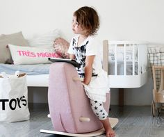 Minimalistic and fun design. How cute is this rocking horse?