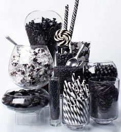 Black Candy Buffet Kit: 25 to 50 Guests Black E White, Black And White Theme, Black Tie, Color Black, Candy Table, Candy Buffet, Lolly Buffet, Boda Vintage Ideas, White Candy Bars