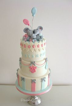 Sweet Elephant babyshower - by Daantje @ CakesDecor.com - cake decorating website