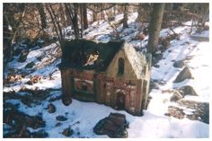 Little People Town - Ghost Town  http://www.ghosttowns.com/states/ct/littlepeopletown.html