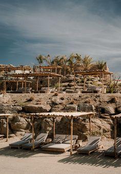 scorpios_mykonos_beach_beds
