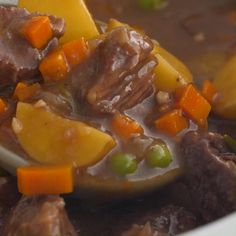 This traditional Beef Stew recipe is Comfort Food at it's best! Your house will smell amazing as this Beef Stew cooks in the Slow Cooker. It's loaded with tender bites of juicy beef, golden potatoes, carrots, peas, red wine, onions, garlic, and a hearty beef broth. #stewrecipes #crockpotrecipes #beefrecipes #slowcookermeals Healthy Crockpot Recipes, Beef Recipes, Beef Stew Slow Cooker, Traditional Beef Stew Recipe, Best Beef Stew Recipe, Appetizer Recipes, Dinner Recipes, Beef Broth, Carne