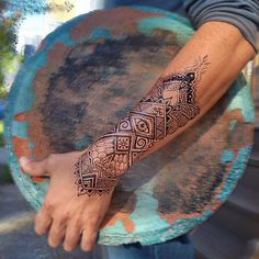 ideas for eye tattoo men hand Mandala Tattoo Mann, Henna Arm Tattoo, Mandala Hand Tattoos, Henna Tattoo Designs, Forearm Tattoos, Arm Band Tattoo, Mehndi Designs, Body Art Tattoos, Tribal Tattoos