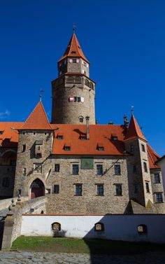 Photo by Ivana Piskáčková Brick, Buildings, Castle, Tower, Mansions, Architecture, House Styles, Home Decor, Arquitetura