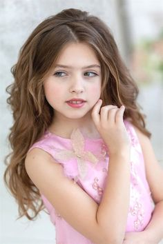 Beautiful Little Girls, Cute Little Girls, Girls In Love, Beautiful Children, Cute Kids, Hair Colors For Blue Eyes, Hair Color For Fair Skin, Young Models, Child Models