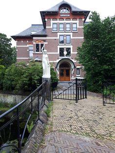 Spiegel, Bussum, Noord-Holland. Sea Level, Holland, Dutch, Armchair, Villa, Europe, Mansions, House Styles, Travel