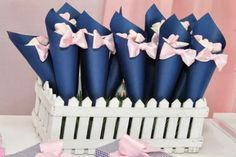 Lembrancinhas em cone Gender Reveal Decorations Diy, Gender Reveal Party Games, Gender Reveal Themes, Diy Baby Shower Decorations, Gender Party, Baby Shower Gender Reveal, Deco Baby Shower, Rose Gold Theme, Partys