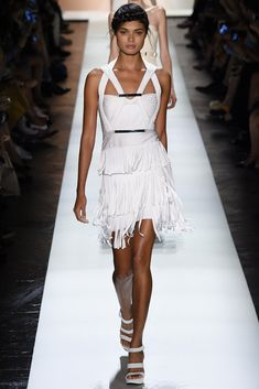 See all the Collection photos from Herve Leger By Max Azria Spring/Summer 2016 Ready-To-Wear now on British Vogue Fashion Week, Runway Fashion, Fashion Models, Fashion Show, Celebrities Fashion, Daily Fashion, Street Fashion, Max Azria, Mode Outfits