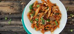 Vegan Mushroom & Herb Pasta That Only Takes 20 Minutes To Make
