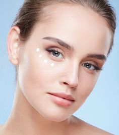 The eyes might be the window to the soul, but the skin surrounding them is even more revealing. To help combat the signs of ageing around the eyes, here Ageing, Things To Come, This Or That Questions, Eyes, Blog, Beautiful, Beauty, Coming Of Age, Blogging