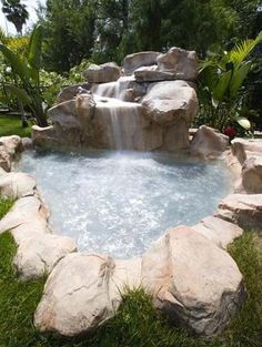 Rock Fountain Outdoor Jacuzzi
