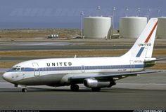 Delivered to UAL in September 1968. Here it still wears the initial colour scheme at SFO. - Photo taken at San Francisco - International (SFO / KSFO) in California, USA on September 19, 1970.