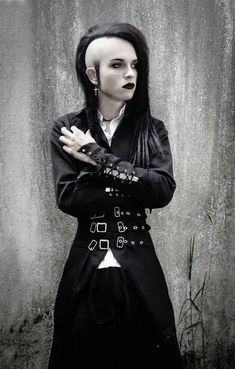 When You Want Gothic Jewelry, We Have The Tips You Need. Photo by shinycatcreations There is a lot more to owning gothic jewelry than being flashy and spending extravagant amounts of money. Mohawks, Dark Fashion, Gothic Fashion, Emo Fashion, Gothic People, Goth Subculture, Gothic Hairstyles, Steampunk, Goth Look