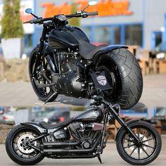 Thunderbike customized Harley-Davidson Softail Breakout